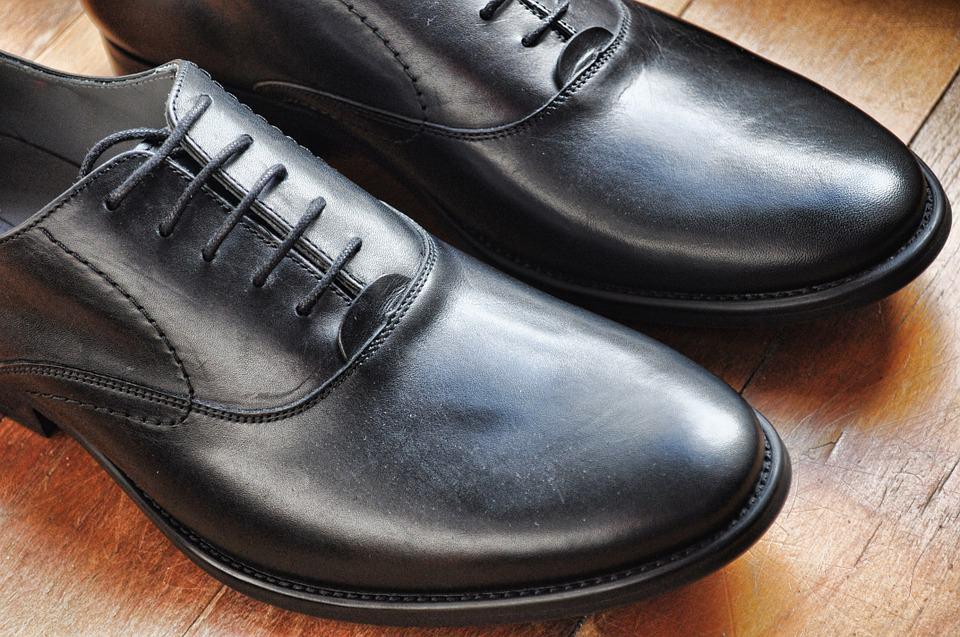 cherni-kozheni-obuvki