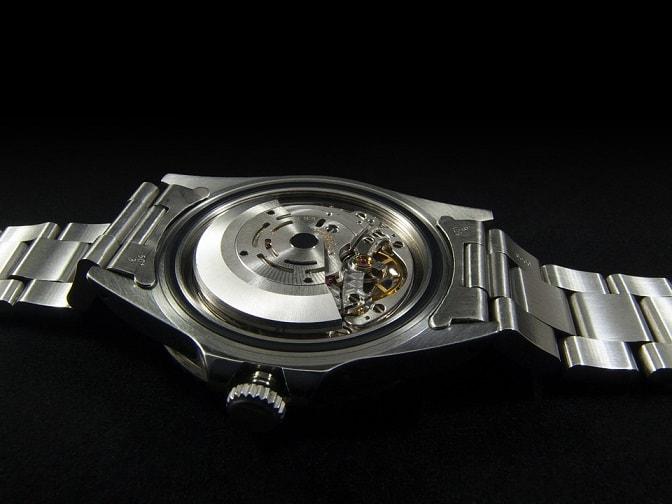 Грижи за часовника - почистване и поддръжка