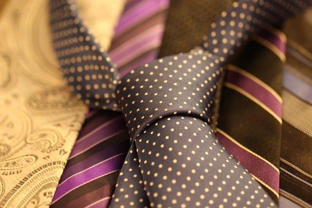 Красива вратовръзка на точки