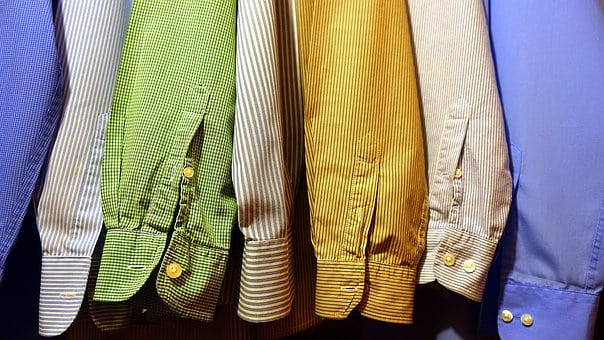 Комбиниране на цветна риза на рае