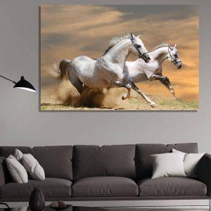 Картина - бели коне в галоп