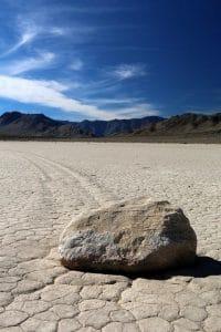 Движещите се камъни