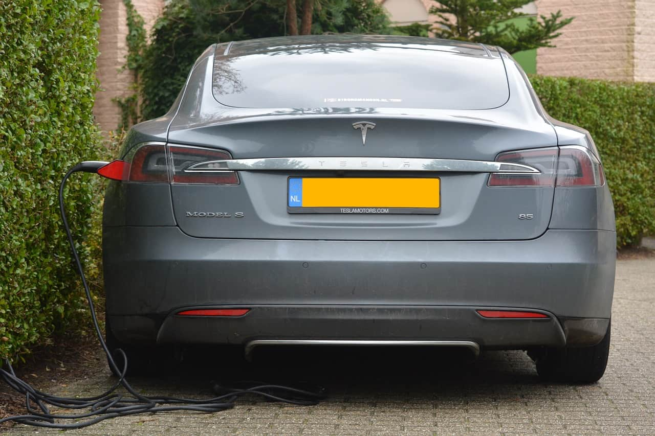 Електромобил Tesla