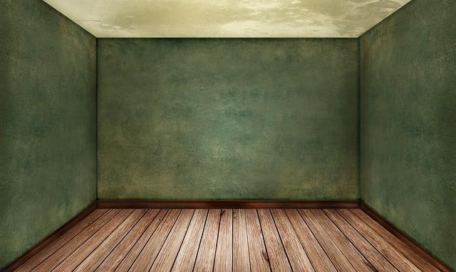 Стая със зелени стени
