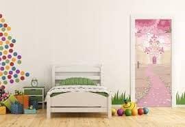 Врата за детска със стъкло